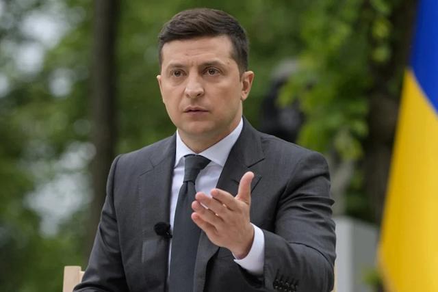 """Зеленський запровадив санкції проти мережі """"Спортмастер"""""""