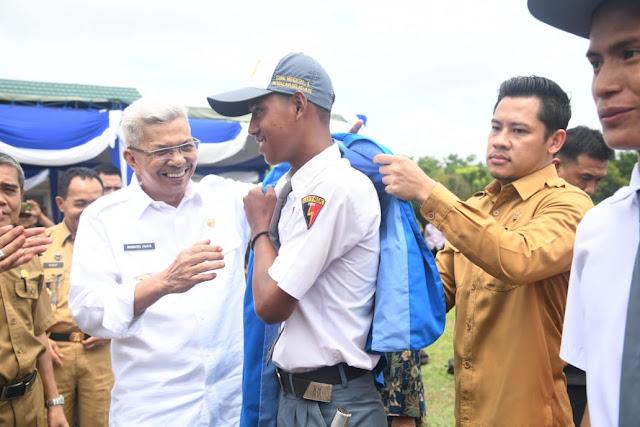 Tingkatkan Daya Saing, Wagub Mawardi Lepas 336 Siswa Prakerin
