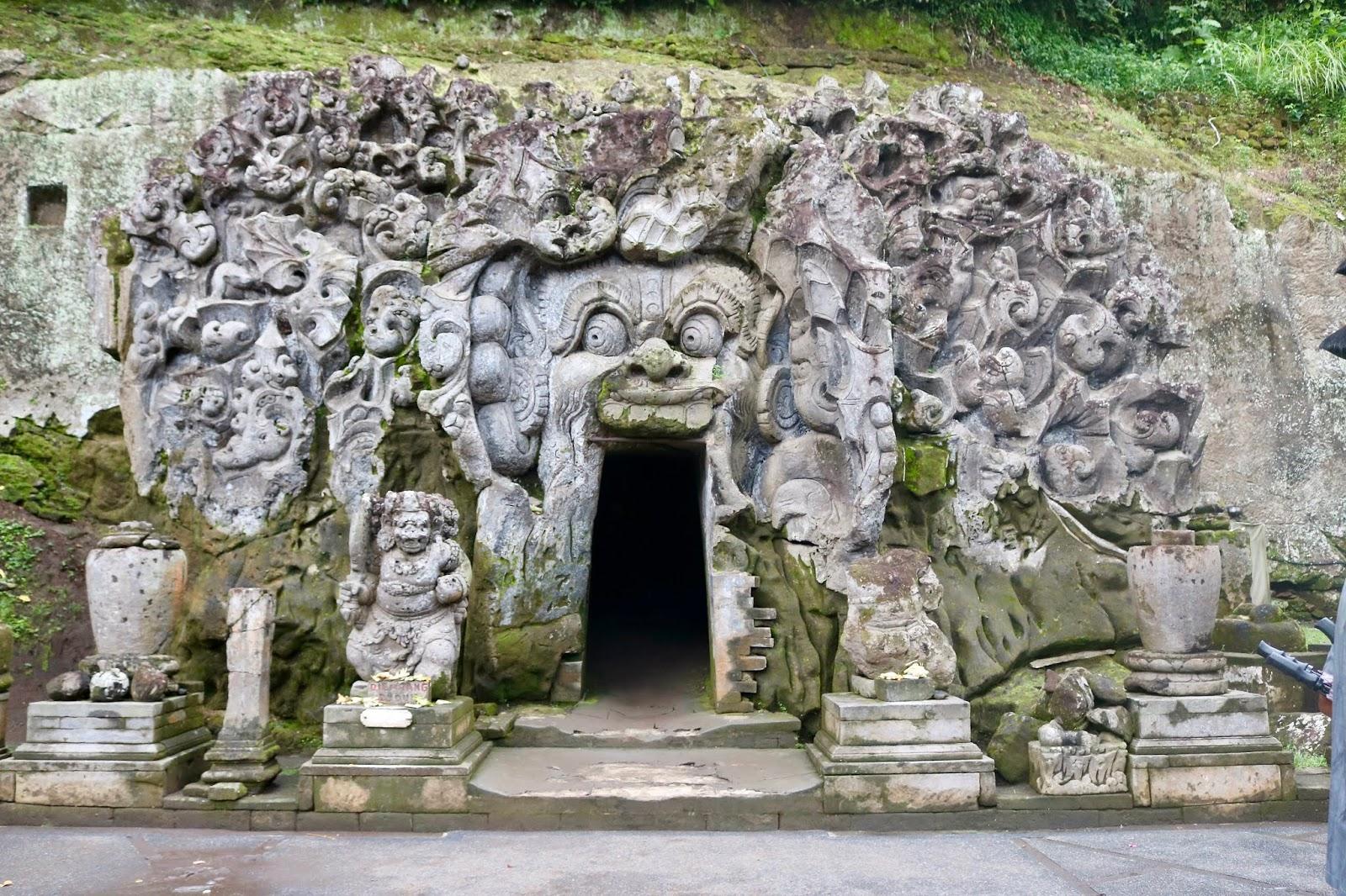 ELEPHANT CAVES, Ubud