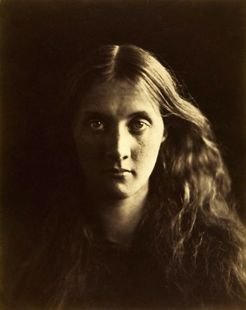 Cameron portrait of Julia Prinsep Jackson, later Julia Stephen, Cameron's niece, favourite subject, and mother of the author Virginia Woolf. 1867. In Photos: Remembering Celebrity Photographer Julia Margaret Cameron, history of photography, vintage photos, photography news, photography