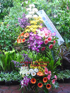 rangkaian karangan bunga standing flower anggrek
