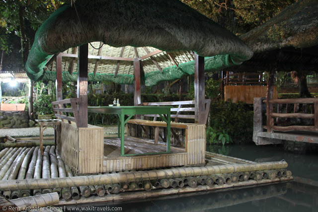 Floating restaurant in Kamayan sa Palaisdaan