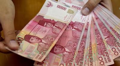 Hukum Membayar Zakat Fitrah Menggunakan Uang