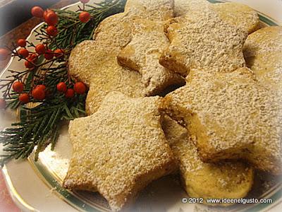 Biscotti natalizi con mandorle e nocciole