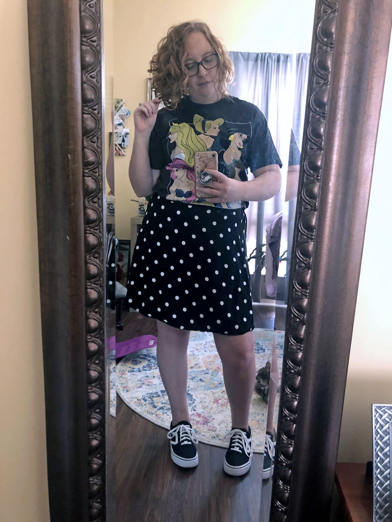princess-shirt-polka-dot-skirt-retro-sneakers