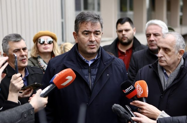 Medojević spreman da odustane od funkcije ministra odbrane: Vladu formiraju vlasnici Vijesti, Davidović i Perović uz asistenciju Božovića