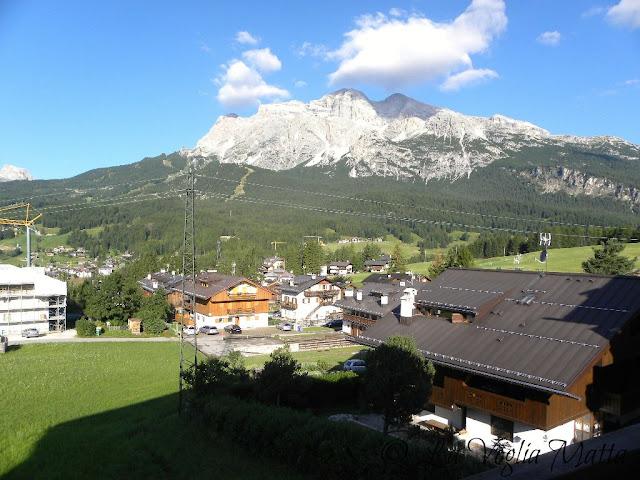 Cortina d'Ampezzo panorama dalla terrazza sullo sfondo le Tofane