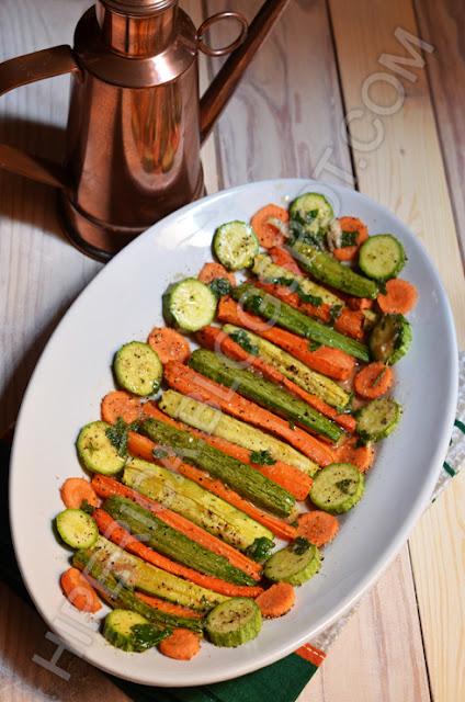 hiperica di lady boheme blog di cucina, ricette gustose, facili e veloci. Ricetta zucchine e carote al forno
