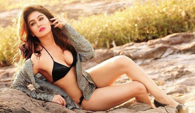 Bollywood Actress Kangana Sharma Latest Hot Photoshoot Stills Navel Queens