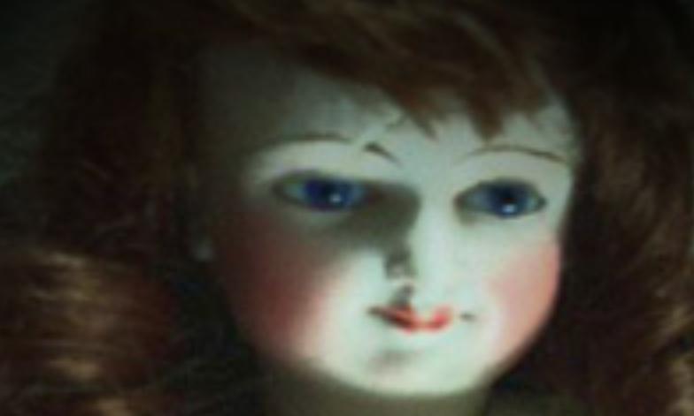 Boneka Misteri Penuh Kutukan