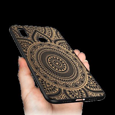 Mockup Case Realme 3 Pro Softcase Black Matte dipegang Tangan