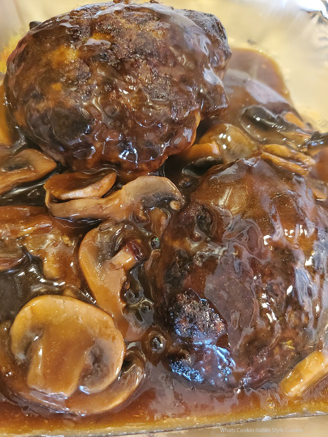 this is a salisbury steak with brown gravy and mushrooms using Venison ground meat