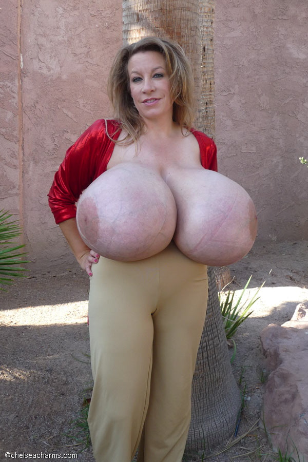 chelsea charms live performance