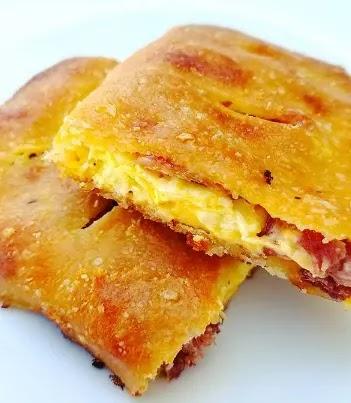 Keto Breakfast Hot Pockets