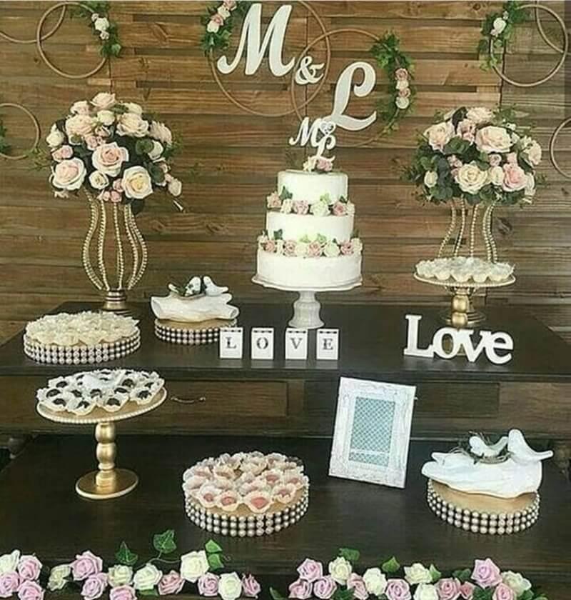 Decoração de mesa do bolo de casamento