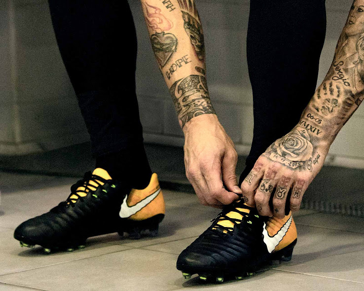 new collection more photos on wholesale Bonjour Flyknit - Sortie des chaussures Nike Tiempo legend ...