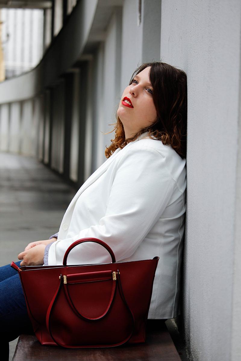 Collage of Style - Outfit con americana blanca y jeans - Por Almudena Duran II