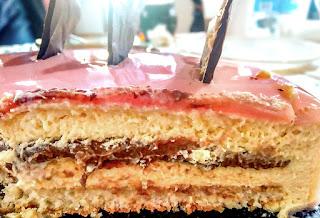 Torta di Compleanno: Bavarese con ganache di cioccolato e glassa a specchio