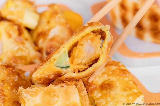 MG 7338 - 熱血採訪│台中人氣炭烤吐司,多達18種口味任你挑!還有18款酥皮蛋餅,連日式炸蝦都被包進來啦!