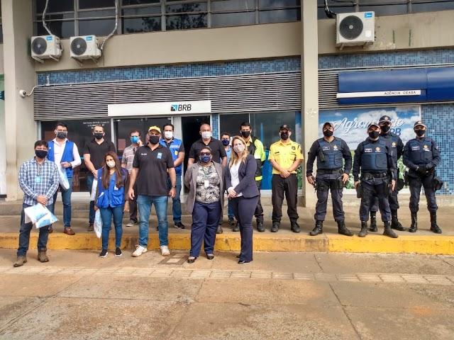 População do SIA e público da Ceasa recebem máscaras de proteção