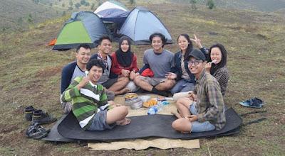 Makan di atas gunung