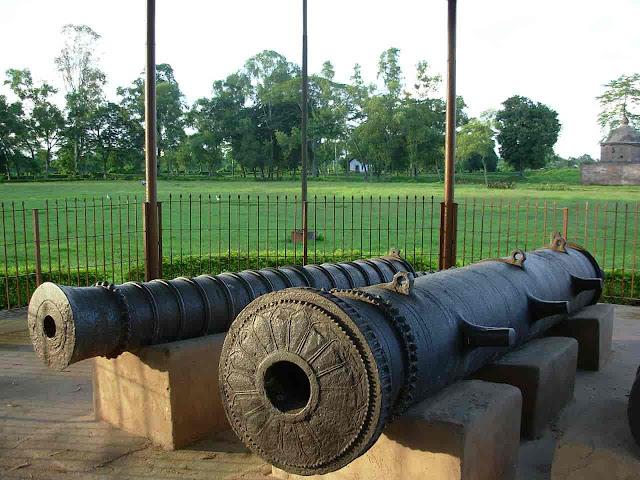 Gadadhar Singha 2 last battle with the Mughals