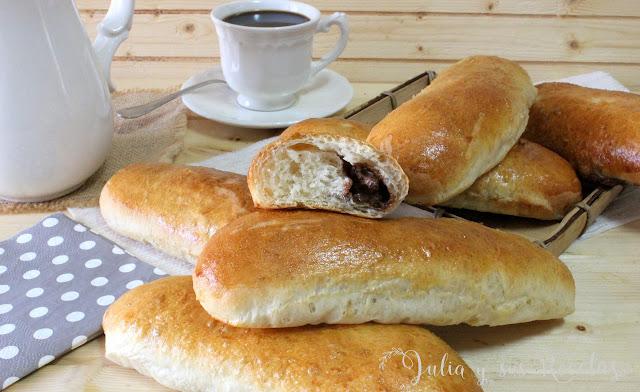 Bollycaos caseros rellenos de crema de cacao. Julia y sus recetas