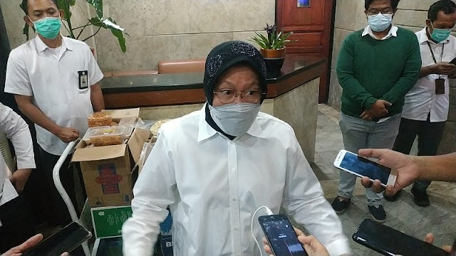 Gagal Kirim Bantuan, Risma Curhat Dimarahi Korban Banjir NTT