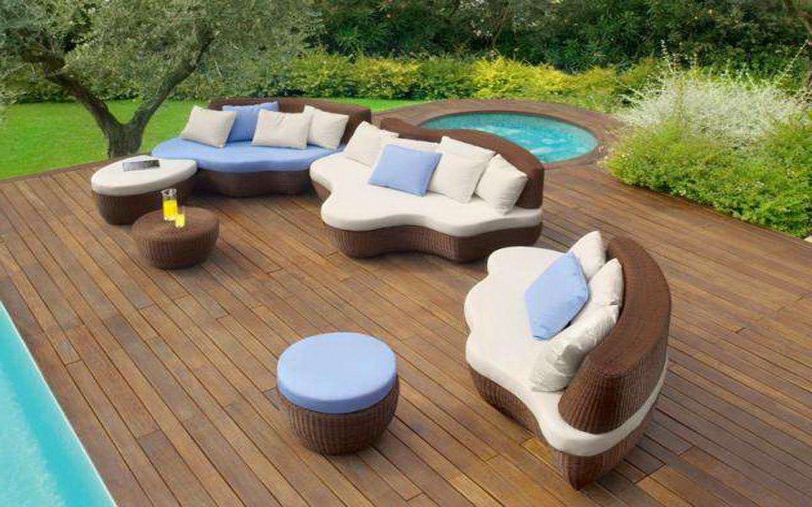 Un patio moderno la rivoluzione dei materiali essenziali for Arredamento da esterno moderno