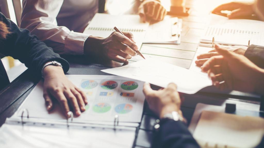 Strategi Bisnis Efektif - Menang dalam Persaingan