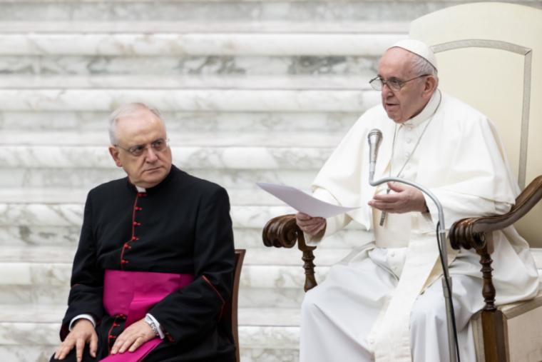 Paus Fransiskus Mengajak Umat Katolik untuk Selalu Membawa Rosario