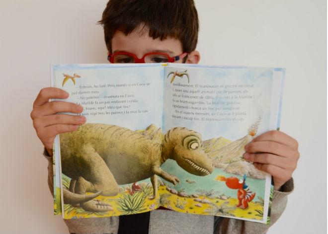 colección pequeño dragón coco, interior cuentos, libros infantiles