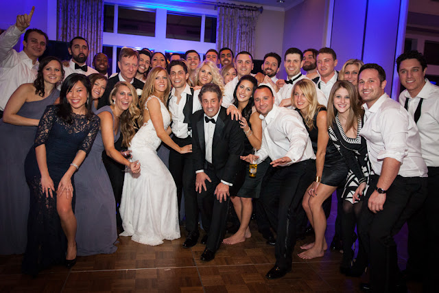 All of the guests at Jenna and Chad's Willow Ridge Country Club Wedding reception | Karen Hill Photography