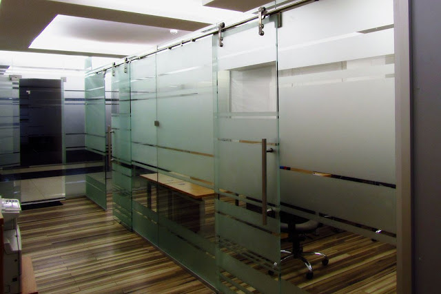 transparent glass office partitions
