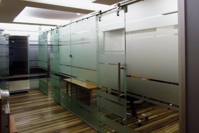 transparent glass office partitions
