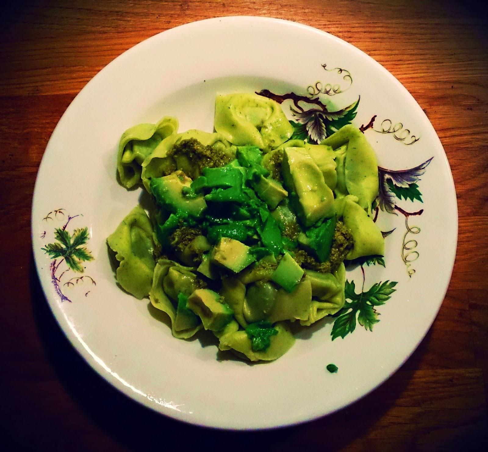färsk pasta med pesto