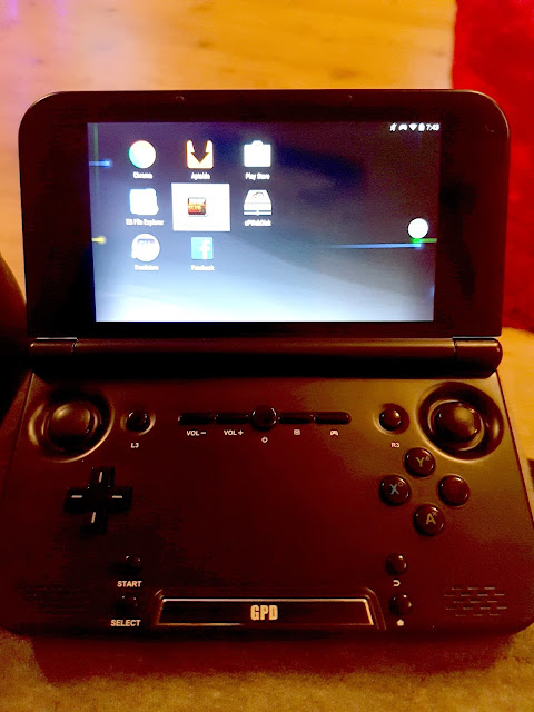 Droidbox PlayOn, Handheld Console, Buttons, Screen,