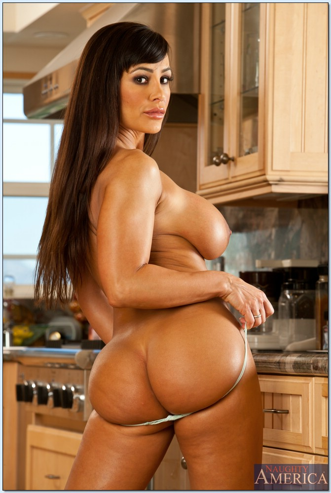 Lisa ann is completely nude and gets a hot massage