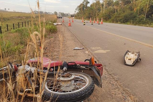 FATAL: Adolescente morre em colisão entre motocicleta e caminhonete na BR-425
