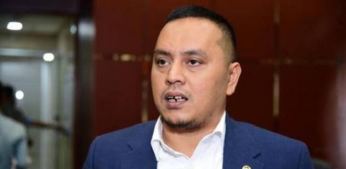 Baliho Habib Rizieq Dicopot TNI, Willy Aditya: Itu Domain Aparat Keamanan, Bukan Pertahanan