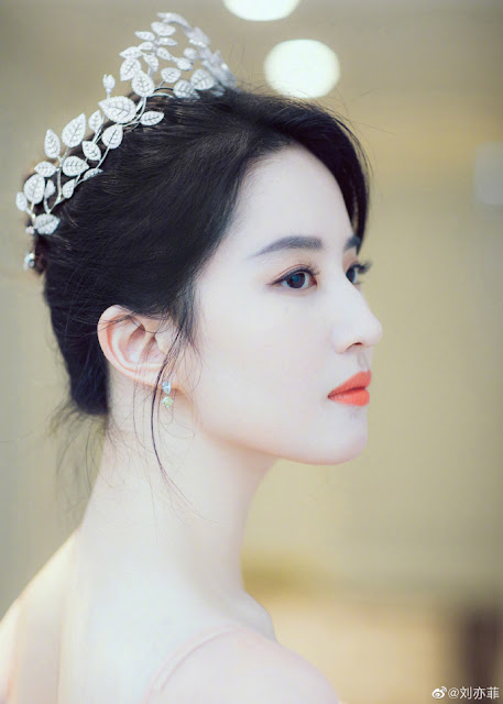 [C-Star]: Liu Yi Fei Shines Like a Goddess for a Chaumet Event