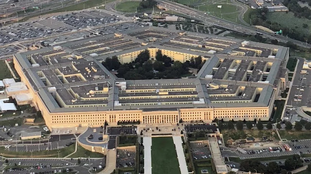"""Rò rỉ báo cáo """"gây sốc"""" từ lực lượng đặc nhiệm về UFO của Lầu Năm Góc"""