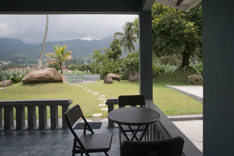 villa di puncak pemandangan gunung