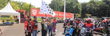Wali Kota  Melepas Pawai Kopdar Gabungan Silaturahmi dan Baksos Bersih-Bersih Pantai Amal