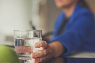 كم تحتاج الحامل من الماء
