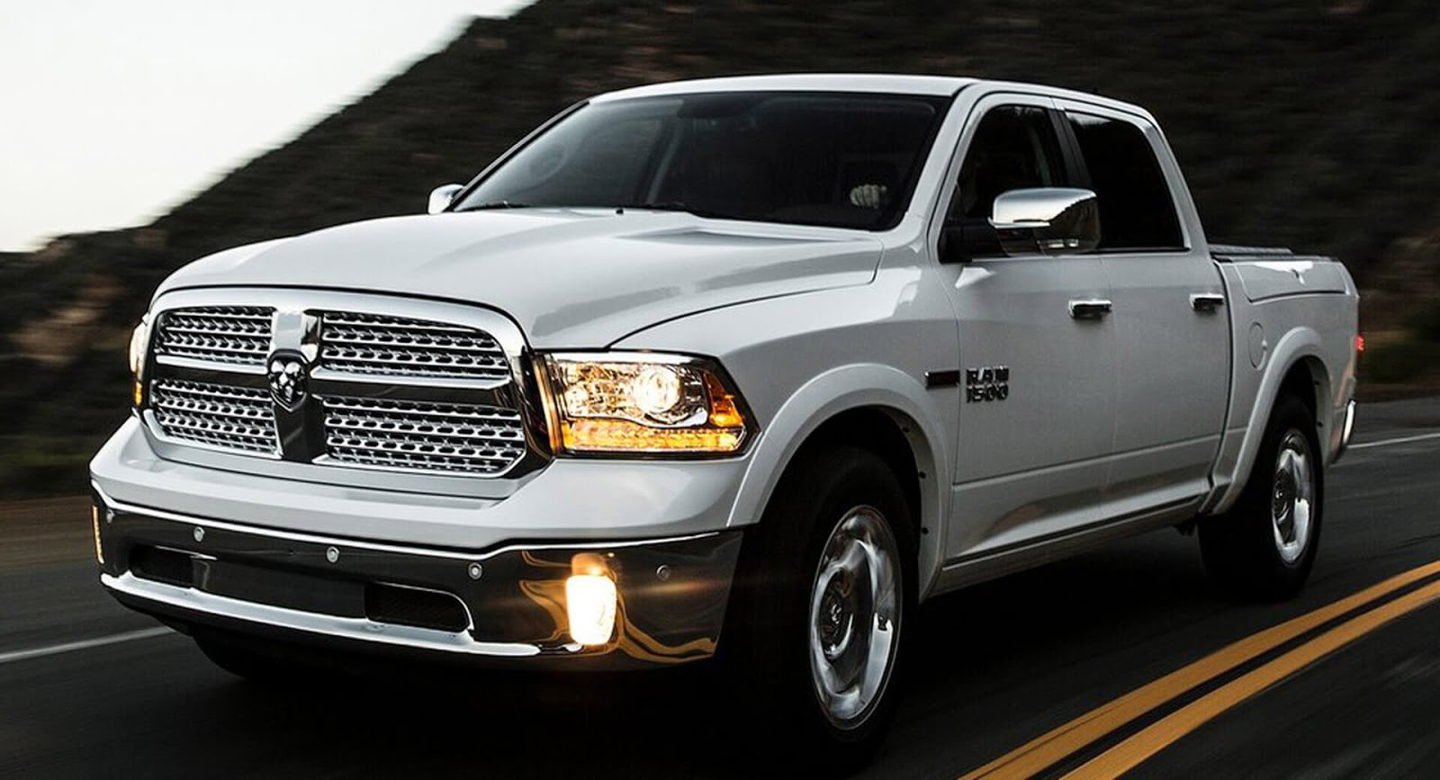 Fiat Chrysler recalling 1.8 million heavy duty Ram pickups