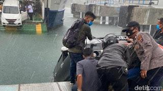 Mobil Tercebur ke Danau Toba Diduga Akibat Angin Kencang