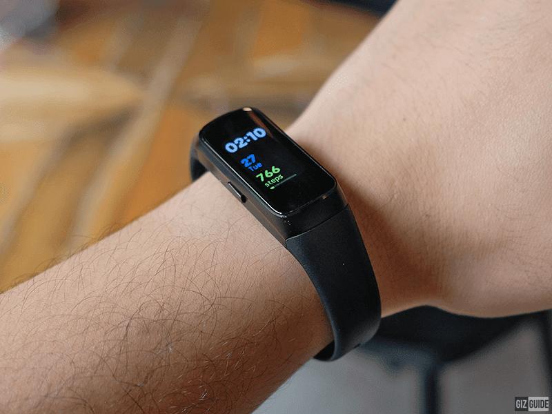 Samsung Galaxy Fit on the wrist