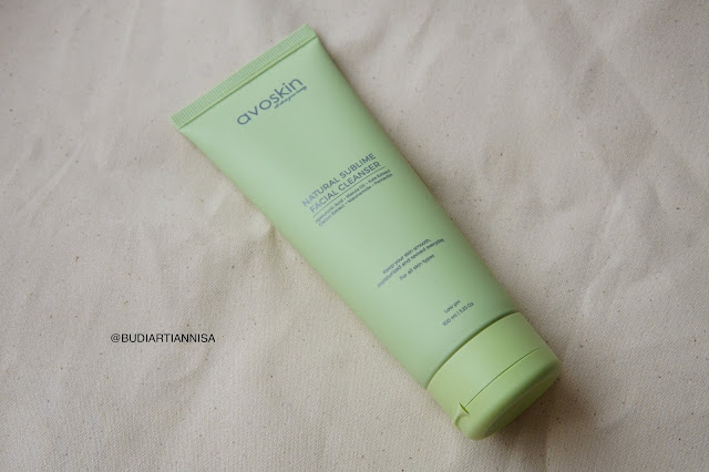 AVOSKIN NATURAL SUBLIME FACIAL CLEANSER. REVIEW