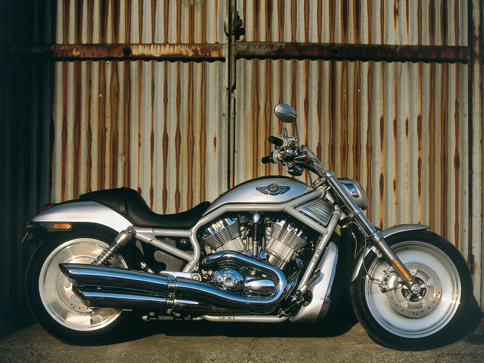 Harley Davidson: 2003 Harley-Davidson VRSCA V-Rod Accident Lawyers Info